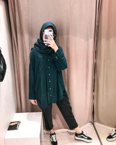 Casual Hijab Outfit, Ootd Hijab, Hijab Chic, Niqab Fashion, Muslim Fashion, Fashion Outfits, Hijab Fashion Inspiration, Fashion Ideas, Minimal Outfit