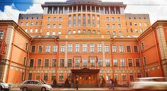 泊ってみたいホテル・HOTEL ロシア>サンクトペテルブルク>ペトログラツキー島に建つ9階建ての印象的な建物を利用したホテル>ヴヴィデンスキー ホテル(Vvedenskiy Hotel)