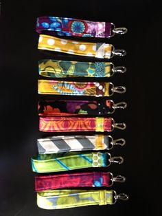 Fabric Keychains. Love! Would be cute on my car keys