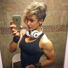 Are you looking for an androgynous haircut that walks the line between soft and masculine? Our list of lesbian haircuts is serving some serious modern edge. Androgynous Haircut, Virtual Hairstyles, Edgy Hair, Shaved Hair, Pixie Haircut, Pixies, Pretty Hairstyles, Edgy Pixie Hairstyles, Bun Hairstyles