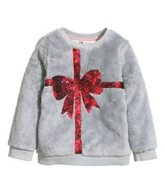 The best things come in small packages! Dress your little ones up in a shimmering sequin bow.  | H&M Kids
