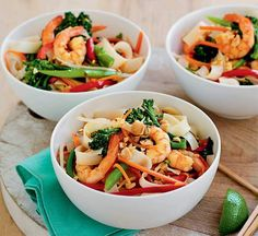 A healthy take on the classic prawn pad thai recipe. Our version is low in fat and full of authentic flavours – plus it's ready in just 30 minutes. Healthy Thai Recipes, Healthy Dessert Recipes, Healthy Dinner Recipes, Healthy Food, Yummy Recipes, Healthy Eating, Ground Turkey Recipes, Slow Cooker Beef, Eating Clean
