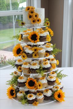 Sunflower Cupcake Tower #cupcakes #cupcaketower #sunflowers
