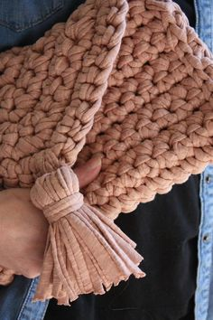 Crochet Bag pattern Purse Pattern Easy Crochet Purse T Bag Pattern Free, Tote Pattern, Purse Patterns, Crochet Purses, Crochet Yarn, Crochet Clutch, Crochet Blanket Edging, Crochet Baby Boots, Yarn Bag