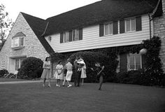 Dean Martin at his Brentwood, California home with wife Jeanne and their children Claudia, Gail, Deana, Gina, Dean Paul and Ricci