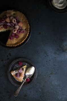 [Raspberry and Coconut Summer Cake]