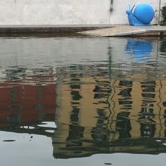 Pomeriggio sui Navigli #darsena #navigli #landscape #picture #milano #milanodavedere #riflessi #chiocciola #water #bestphoto #webstagram #instmoments #instagallery #instagramers #instalike #instalove #bestoftheday #photooftheday #mypic #dailyphoto #nofilter #instabest #bestpic by fra21288