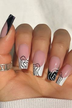 Acrylic Nail Designs Coffin, French Tip Acrylic Nails, Diy Acrylic Nails, Coffin Nails Matte, Acrylic Nail Shapes, Acrylic Nails Coffin Short, Coffin Shape Nails, Nail Art Designs, Acrylic Colors