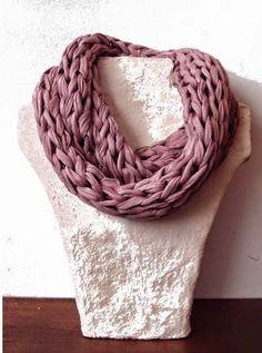 Cuello o bufanda en color malva