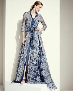 Вышитое кружевное платье