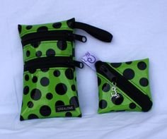 Nateltäschli punkte Grün Sunglasses Case, Bags, Fashion, Dots, Products, Handbags, Moda, Fashion Styles, Taschen