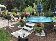 Best Swimming Pool Design for Tiny Landscaping Backyard You will need to think of how you want to utilize your pool and weigh various design factors. Possessing a pool in your backyard may. Stock Pools, Stock Tank Pool, Backyard Patio Designs, Backyard Landscaping, Landscaping Ideas, Pool In Small Backyard, Fun Backyard, Piscina Intex, Piscine Diy
