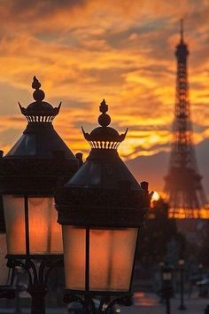 Beautiful Paris lampposts with a silhouette of the Eiffel Tower in the background | all the beauty things...     ᘡղbᘠ