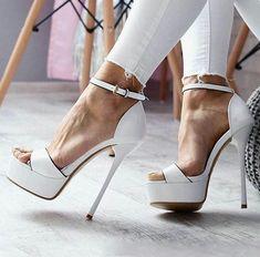 Weiße High Heels Source by hhcfan White High Heels, Sexy High Heels, Womens High Heels, Wedding High Heels, Platform High Heels, High Heel Boots, Heeled Boots, Heeled Sandals, High Sandals