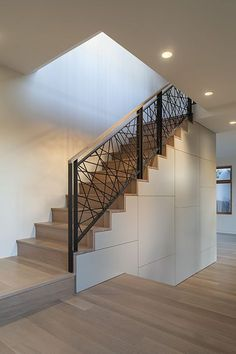 This Pin was discovered by Shabby Apple. Discover (and save!) your own Pins on… Modern Stair Railing, Stair Railing Design, Staircase Railings, Modern Stairs, Stairways, Wood Handrail, Cable Railing, Metal Barn Homes, Metal Building Homes