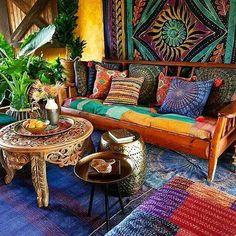 Uma casa é feita de vigas e paredes Um lar de sonhos e amor  autor desconhecido  De que é feito seu cantinho perfeito?