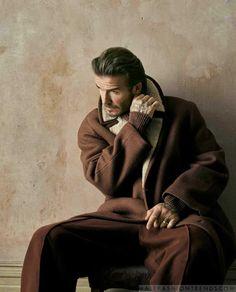 Male Fashion Trends: David Beckham se envuelve en confortables looks de otoño para How to Spend It
