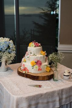 Rustic textured cake | Rustic Chic Nautical Infused Port Edward British Columbia Coastal Wedding | Photograph by Stefania Bowler Photography  http://www.storyboardwedding.com/romantic-nautical-port-edward-british-columbia-wedding-north-pacific-cannery/