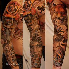 Johan Finne a manga do desenho de tatuagem. Cheio de cores quentes, o design parece mostrar uma história que começa a partir de um guerreiro, adornada com caveiras, fox latindo para baixo para as ondas e uma mulher que parece estar debaixo de água.