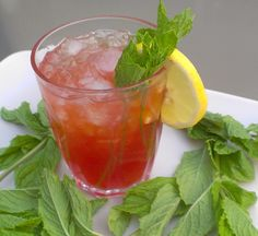 Spiked strawberry mint lemonade | HealthySlowCooking.com