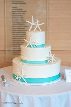 19 Mouth-watering Summer Beach Wedding Cakes To Get Inspired Starfish Wedding Cake, Starfish Cake, Blue Beach Wedding, Beach Wedding Reception, Beach Wedding Decorations, Beach Themed Wedding Cakes, Beach Weddings, Ribbon Wedding, Green Weddings