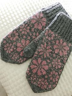 Taito Etelä-Pohjanmaan kanssa yhteistyössä järjestetty Knit along. Needles Sizes, Mittens, Ravelry, Gloves, Wool, Knitting, Crochet, Projects, Pattern