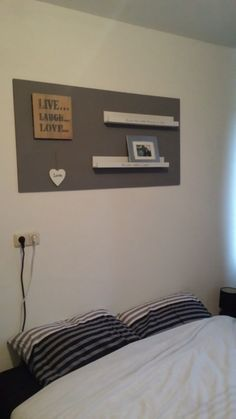 Planken boven het bed thuis slaapkamer 5 home for Plank boven bed