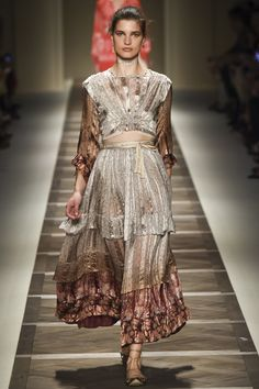 Etro Spring 2016 Ready-to-Wear Fashion Show