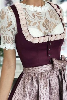 The fashion label for exclusive designer dirndl & trachten fashion Drindl Dress, The Dress, Shorts Outfits Women, Chic Outfits, German Costume, Oktoberfest Outfit, Diy Kleidung, Boho Style Dresses, Moda Boho