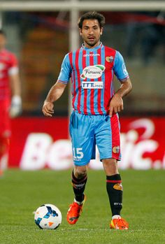 Fabian+Rinaudo+Calcio+Catania+v+Cagliari+Calcio+g5r5wWzkzRil.jpg (401×594)