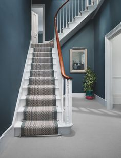 78 Staircase Design Ideas with Plenty of Decorating Inspiration Stairs Design Decorating Design Ideas Inspiration plenty Staircase Hallway Carpet, Carpet Stairs, Patterned Stair Carpet, Hallway Paint Colors, Hallway Colour Schemes, Stairs Colours, Grey Hallway, 1930s Hallway, Edwardian Hallway