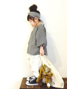 CHIIIICOさんのコーディネート Little Girl Outfits, Toddler Girl Outfits, Little Girl Fashion, Look Fashion, Kids Fashion, Winter Baby Clothes, Kids Suits, Kids Wear, Tween