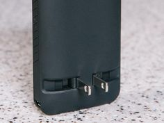 Prong PocketPlug: A Cord-Free Phone Charger