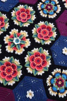 Flower Square Pillow FREE Crochet Pattern