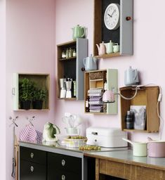 Drawers do not have to live in the closet, even as a shelf on the wall . Drawers don't have to live in the closet, they also look good as shelves on the wall. The best thing: you d Home Decor Furniture, Diy Home Decor, Room Decor, Diy Interior, Interior Design Living Room, Pastel Home Decor, Diy Décoration, Diy Crafts, Cool Rooms