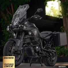 Blacked out KTM 1290 Super Adventure 1200 Gs Adventure, Ktm Adventure, Super Adventure, Scrambler Motorcycle, Touring Bike, Cool Motorcycles, Hot Bikes, Super Bikes, Street Bikes