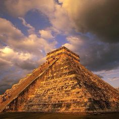 Want to learn about our culture? Come visit the pyramids in #Cancun. #HappyWeekend