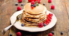 Hier sind 15 Pancakes-Rezepte mit hohem Gehalt an Protein für dich, die du für jede Tages- und Wochenzeit nutzen kannst.