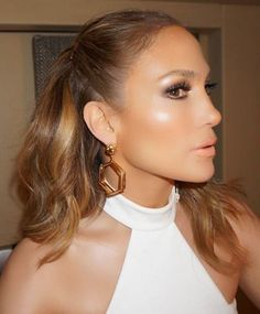 Found: The Highlighter That Will Make You Glow Like Jennifer Lopez