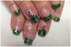 St Patty's. Glitter French with shamrock stickers St Patty's. Glitter French with shamrock stickers Nail Art Designs, Holiday Nail Designs, Fingernail Designs, French Nail Designs, Holiday Nail Art, Acrylic Nail Designs, Nails Design, Holiday Fun, Christmas Ideas