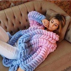 Long Merino Wool Jacket Cardigan Women C - Diy Crafts Chunky Knit Cardigan, Chunky Wool, Oversized Cardigan, Vogue Knitting, Arm Knitting, Knitted Coat, Knitted Blankets, Merino Wool Blanket, Pink Sweater