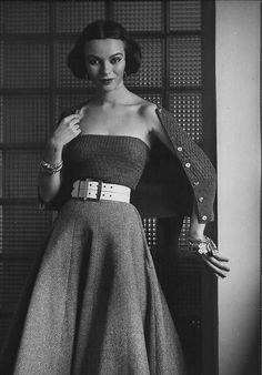 Sandra Brown 1951 - Nina Leen