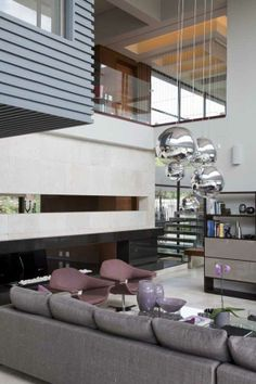 Incredible Residence with Unequalled Architectural Details (20)