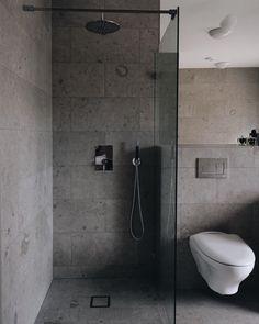 - Lilly is Love Concrete Bathroom, Bathroom Spa, Bathroom Interior, Modern Bathroom, Small Bathroom, Bad Inspiration, Shower Inspiration, Modern Interior Design, Interior Styling