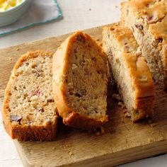 Rhubarb Bread Recipe -This is quite a good bread - our family really enjoys it! It's also very quick and easy to prepare, once you have the rhubarb diced. Quick Bread Recipes, Cooking Recipes, Cooking Pasta, Healthy Cooking, Cooking Tips, Dessert Bread, Dessert Recipes, Cake Recipes, Quick Dessert