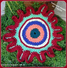 Toalhinha Ameba em Trapilho (Crochet Rag Doily). Gráfico (Diagram): http://helenacc.blogspot.com.br/2013/02/toalhinha-ameba-em-trapilhos.html