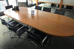 Ab #Mai bei #office4sale: #Vitra #Aluchairs #Konferenzstühle und #Medapro #Bürodrehstühle, #USMhaller #Bürotische, #Barcelonachair von #Knoll #International, #Loungesessel von #Cassina uvw #hochwertige #edle #moderne #Büromöbel & #Design #Sitzmöbel. Mehr dazu in unserem Firmenblog!