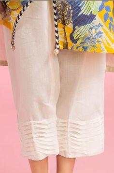 Kurti Sleeves Design, Kurta Neck Design, Sleeves Designs For Dresses, Pakistani Fashion Casual, Pakistani Dresses Casual, Pakistani Dress Design, Salwar Designs, Kurti Designs Party Wear, Mehndi Designs