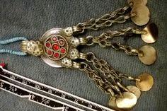 More Kuchi, more WoW. Kuchi pendant , authentic nomadic tribe vintage item