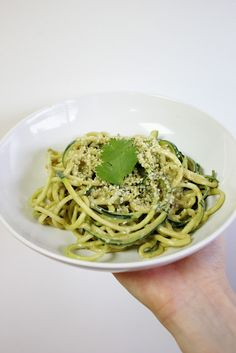 All about Raw Pasta made with Zucchini Noodles